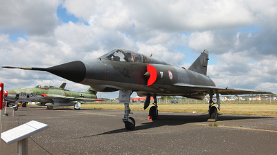 587 - Dassault Mirage 3E - France - Air Force