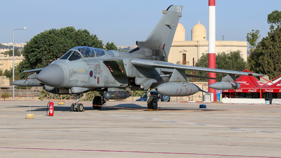 ZA370 - Panavia Tornado GR.4 - United Kingdom - Royal Air Force (RAF)