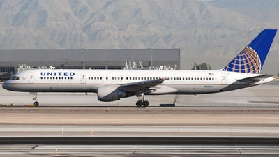 N566UA - Boeing 757-222 - United Airlines