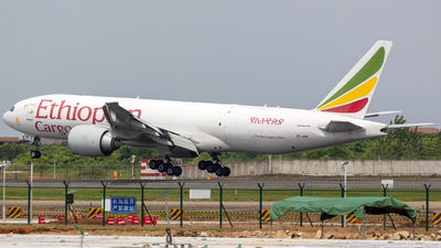 A picture of ETAPS - Boeing 777F6N - Ethiopian Airlines - © Eric Wang