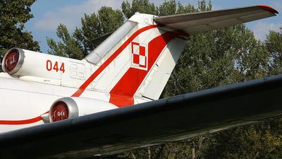 044 - Yakovlev Yak-40 - Poland - Air Force