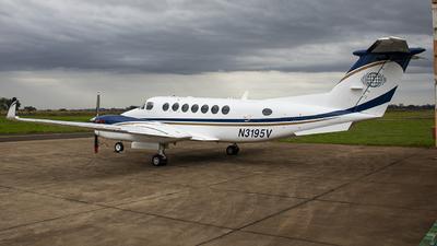 N3195V - Beechcraft B300 King Air 350 - Private