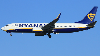 A picture of EIDLY - Boeing 7378AS - Ryanair - © Witold Ozimek