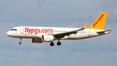 A picture of TCNBF - Airbus A320251N - Pegasus Airlines - © Thomas Ranner