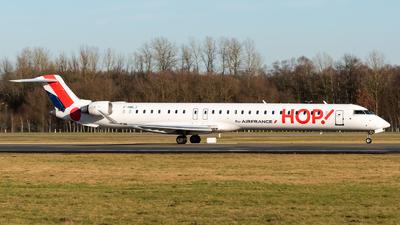 A picture of FHMLJ - Mitsubishi CRJ1000EL - Air France - © Chris de Breun