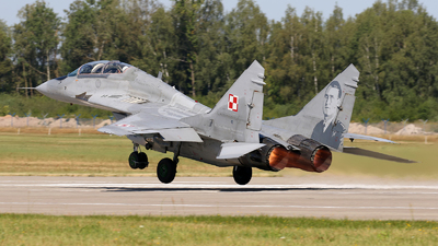 28 - Mikoyan-Gurevich MiG-29UB Fulcrum - Poland - Air Force