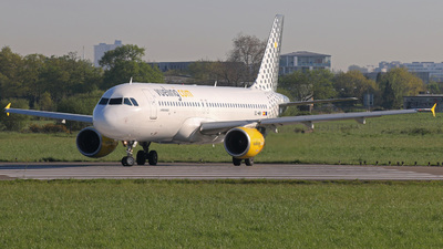 EC-MBY - Airbus A320-214 - Vueling