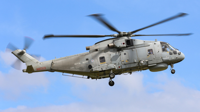 ZH858 - Agusta-Westland Merlin HM.1 - United Kingdom - Royal Navy