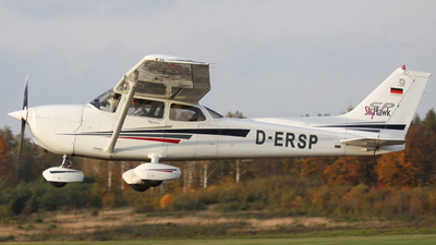 D-ERSP - Cessna 172S Skyhawk SP - Private