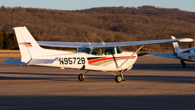 N9572B - Cessna 172RG Cutlass RG - Private