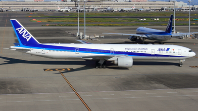 A picture of JA733A - Boeing 777381(ER) - [32648] - © tora-spotter