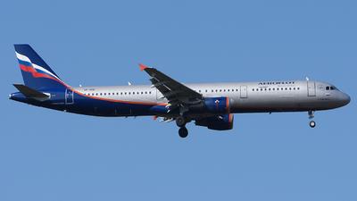 A picture of VPBOE - Airbus A321211 - Aeroflot - © Luca Cesati