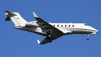 TC-EAR - Bombardier BD-100-1A10 Challenger 300 - Private