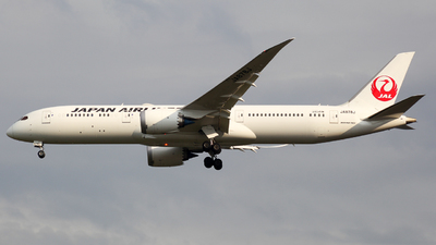 A picture of JA878J - Boeing 7879 Dreamliner - Japan Airlines - © Herison Riwu Kore