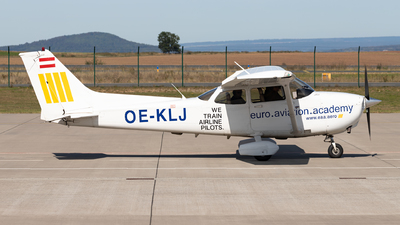 OE-KLJ - Cessna 172S Skyhawk SP - eaa Aviation Academy
