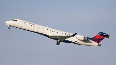 A picture of N669CA - Mitsubishi CRJ701ER - Delta Air Lines - © Rolf Jonsen