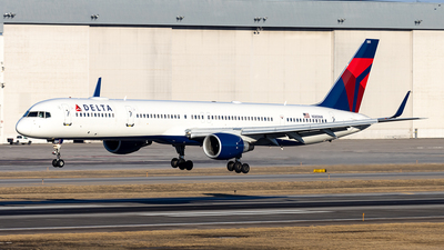 A picture of N585NW - Boeing 757351 - Delta Air Lines - © xuxinyi1000