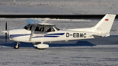 A picture of DEBMC - Cessna 172R - [17281308] - © Daniel Schwinn
