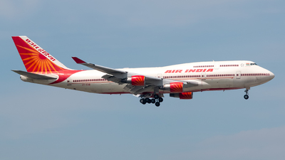 A picture of VTEVB - Boeing 747437 - Air India - © Sin Wen Hao