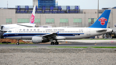 B-1800 - Airbus A320-214 - China Southern Airlines