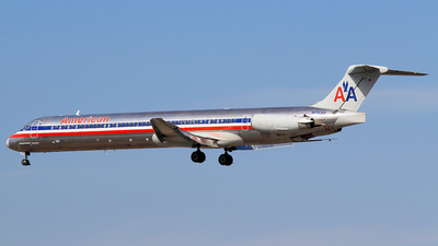 N7530 - McDonnell Douglas MD-82 - American Airlines