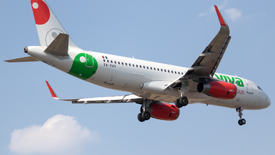 XA-VAV - Airbus A320-233 - VivaAerobus