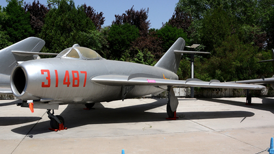 31487 - Mikoyan-Gurevich MiG-17PF Fresco D - China - Air Force