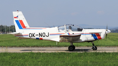 OK-NOJ - Zlin 142 - Private