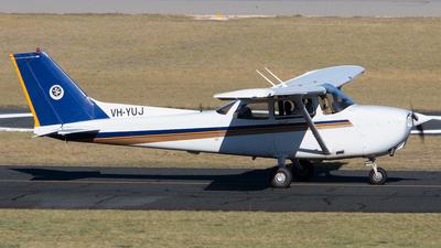 A picture of VHYUJ - Cessna 172R Skyhawk - [17281226] - © Lachlan Gatland