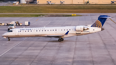 A picture of N505MJ - Mitsubishi CRJ701ER - United Airlines - © Ksavspotter
