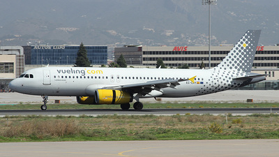EC-LRY - Airbus A320-232 - Vueling