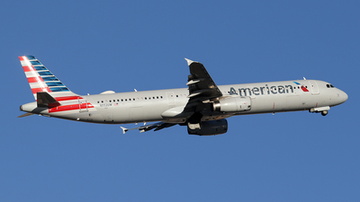 N552UW - Airbus A321-231 - American Airlines