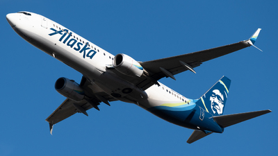 A picture of N275AK - Boeing 737990(ER) - Alaska Airlines - © Michael Place
