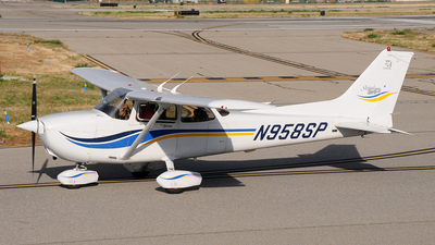 N958SP - Cessna 172S Skyhawk SP - Private