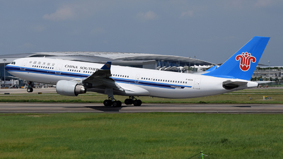 B-6528 - Airbus A330-223 - China Southern Airlines