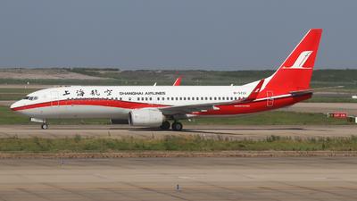 B-5722 - Boeing 737-89P - Shanghai Airlines