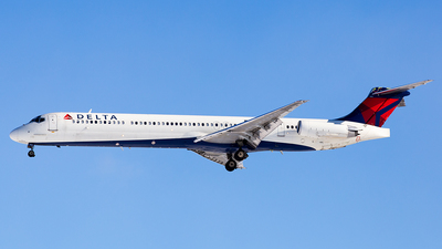 N904DE - McDonnell Douglas MD-88 - Delta Air Lines
