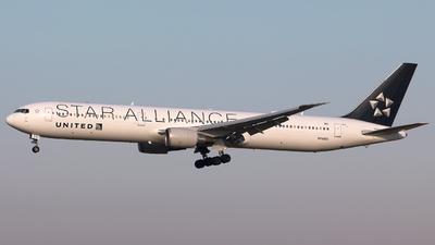N76055 - Boeing 767-424(ER) - United Airlines