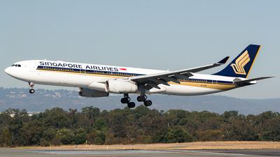 A picture of 9VSTW - Airbus A330343 - [1447] - © Dallas Presser