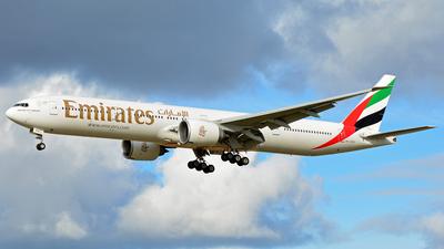A6-EPR - Boeing 777-31HER - Emirates
