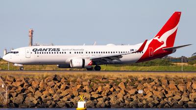 VH-XZE - Boeing 737-838 - Qantas