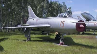 15 - Sukhoi Su-7BKL Fitter A - Soviet Union - Air Force