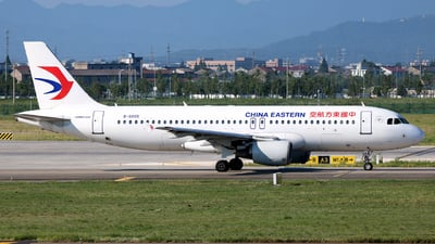 A picture of B6005 - Airbus A320214 - China Eastern Airlines - © laohan