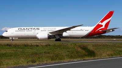 A picture of VHZNI - Boeing 7879 Dreamliner - Qantas - © Brandon Giacomin