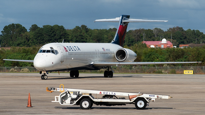 A picture of N993AT - Boeing 7172BD - Delta Air Lines - © Devin   Charleston Spotter