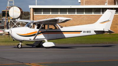A picture of VHMVD - Cessna 172N Skyhawk - [17273660] - © Joel Baverstock