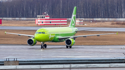 A picture of VQBRD - Airbus A320214 - S7 Airlines - © Yan Syrbo