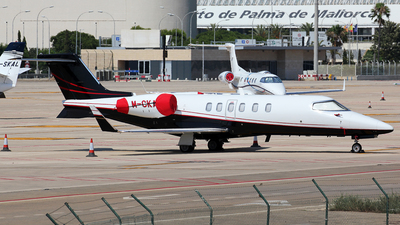 M-CKAY - Bombardier Learjet 40 - Private