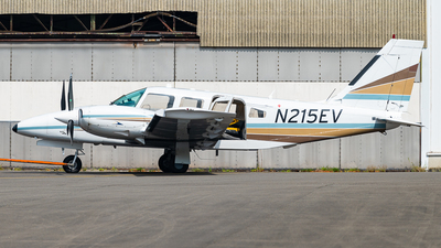 A picture of N215EV - Piper PA34220T - [348533002] - © J.Evrard-AirTeamImages