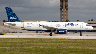 A picture of N520JB - Airbus A320232 - JetBlue Airways - © Sotos